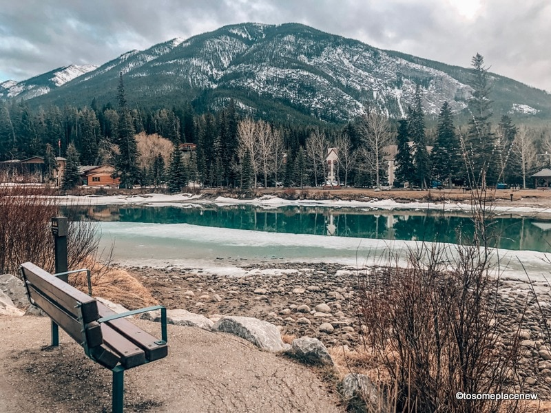 Banff Canada Travel tips | Banff Canada things to do | Banff Canada packing list | Canadian Rockies travel | Canadian Rockies Banff | Canadian Rockies trip | Canadian Rockies mountains #banff #canada #traveltips