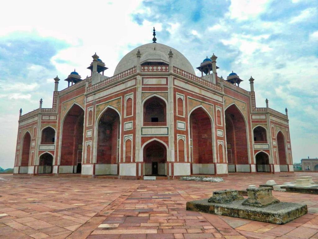 Take a Humayun Tomb history tour in your Delhi trip to learn more about the Mughals and their architecture and their indelible impact on India's past