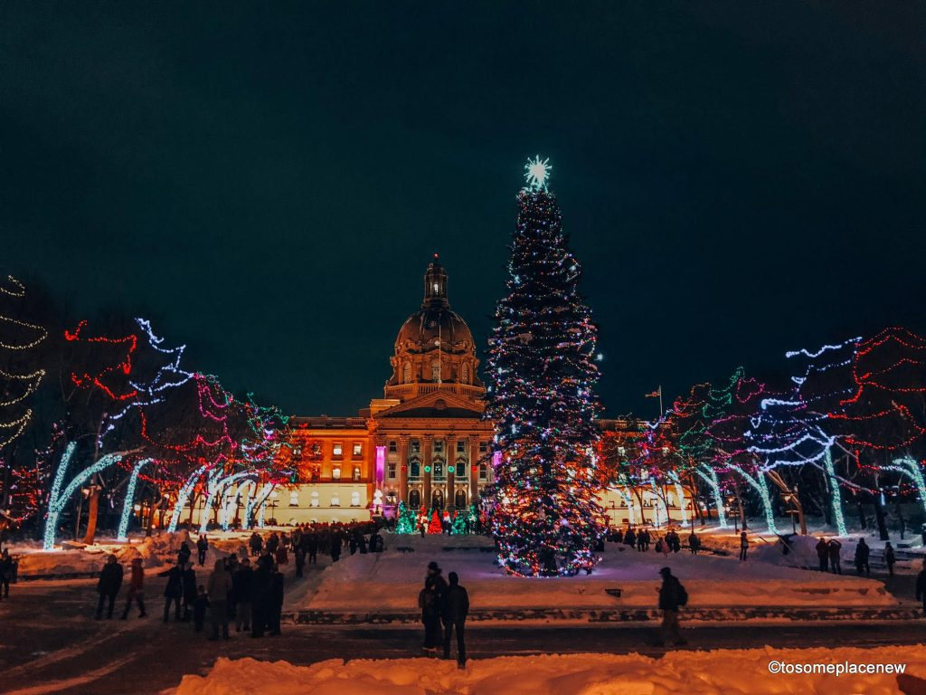 There are tons of fun things to do in Edmonton winter like chasing northern lights, snowshoeing, skiing, ice castles and other special winter events.