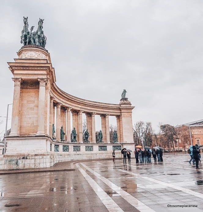 Heroes Ssquare Explore the Hungarian Capital city of Budapest in 2 days - this is your perfect Budapest Itinerary covering historical sites, city life and a dinner cruise