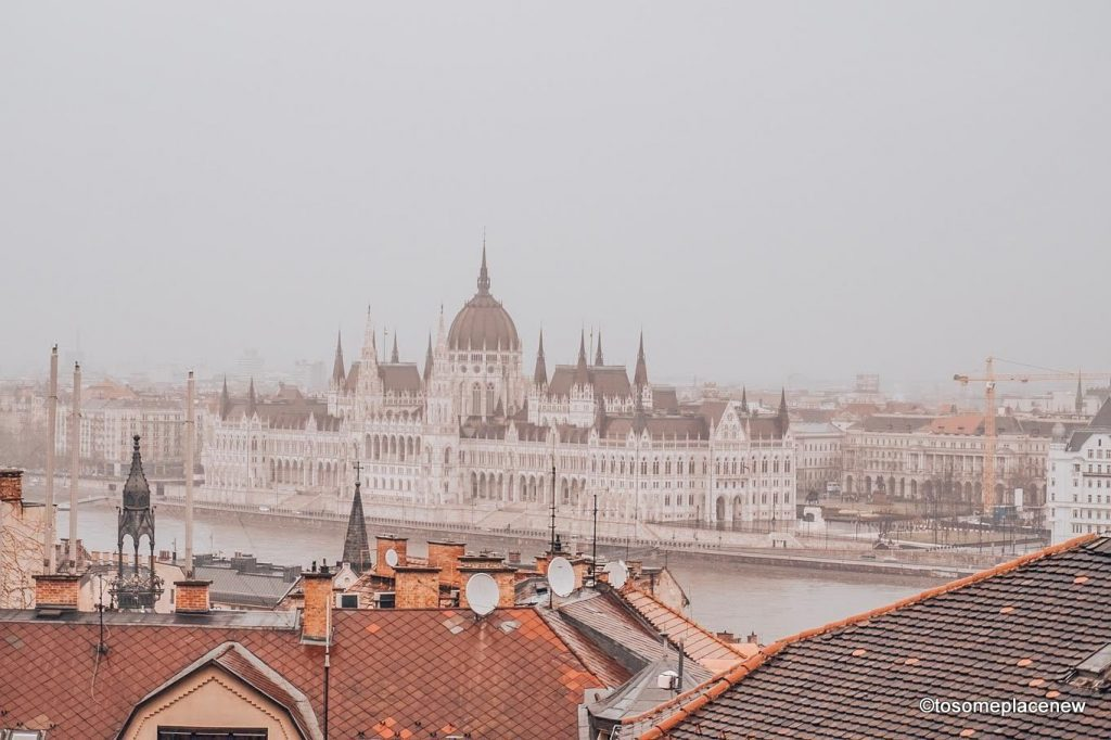 Explore the Hungarian Capital city of Budapest in 2 days - this is your perfect Budapest Itinerary covering historical sites, city life and a dinner cruise