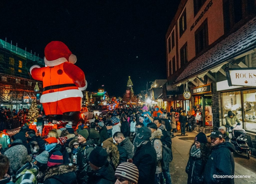 Amazing Banff winter activities - Christmas parade & markets, skii, snow-shoeing, hot cocoa, ice festivals & more - Best Things to do in Banff in Winter #banff #banffwinter