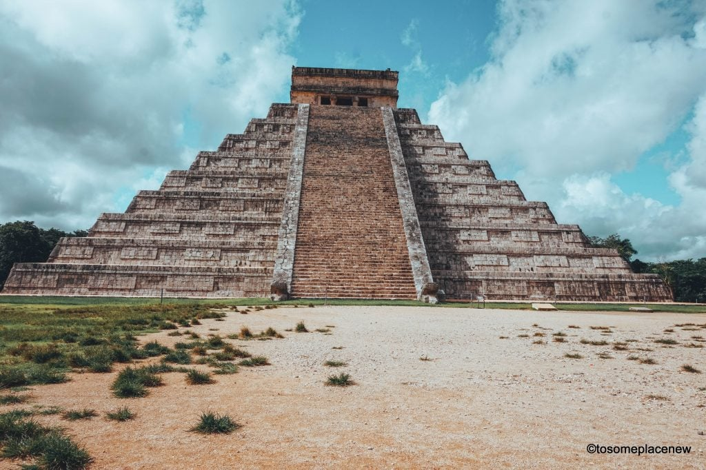 Main Pyramid at Chichen Itza - Exploring the Mayan Ruins of Chichen Itza, Mexico. Read all about its history, travel tips and itinerary. A quick guide to Chichen Itza, one of the wonders of the modern world.