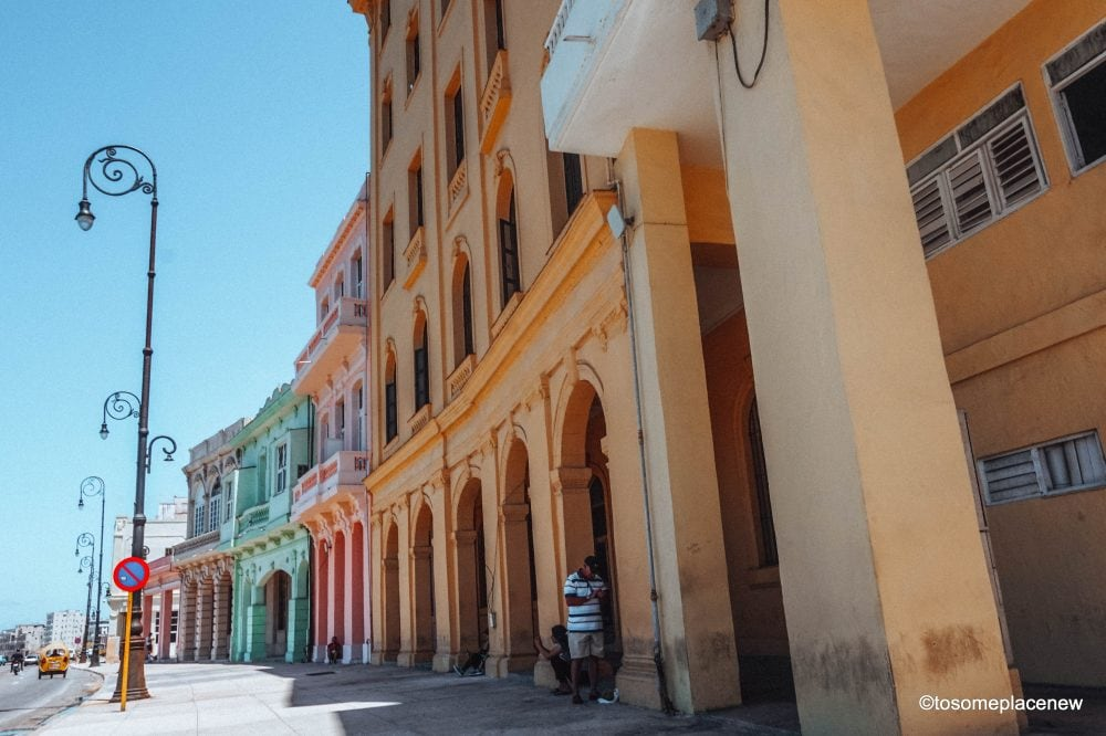 Beautiful pictures of Havana. The Ultimate guide to Havana Cuba is here! The one stop for all things Havana - sightseeing, local experiences, restaurants and other travel tips #havana