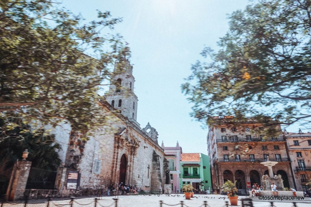 St Francis Assisi Square Havana Beautiful pictures of Havana Cuba. Havana is a photographer's dream and every street in Cuba showcases the interesting past, its beautiful people and amazing architecture. Be sure to add these spots to your Cuba travel itinerary. #havana #cuba