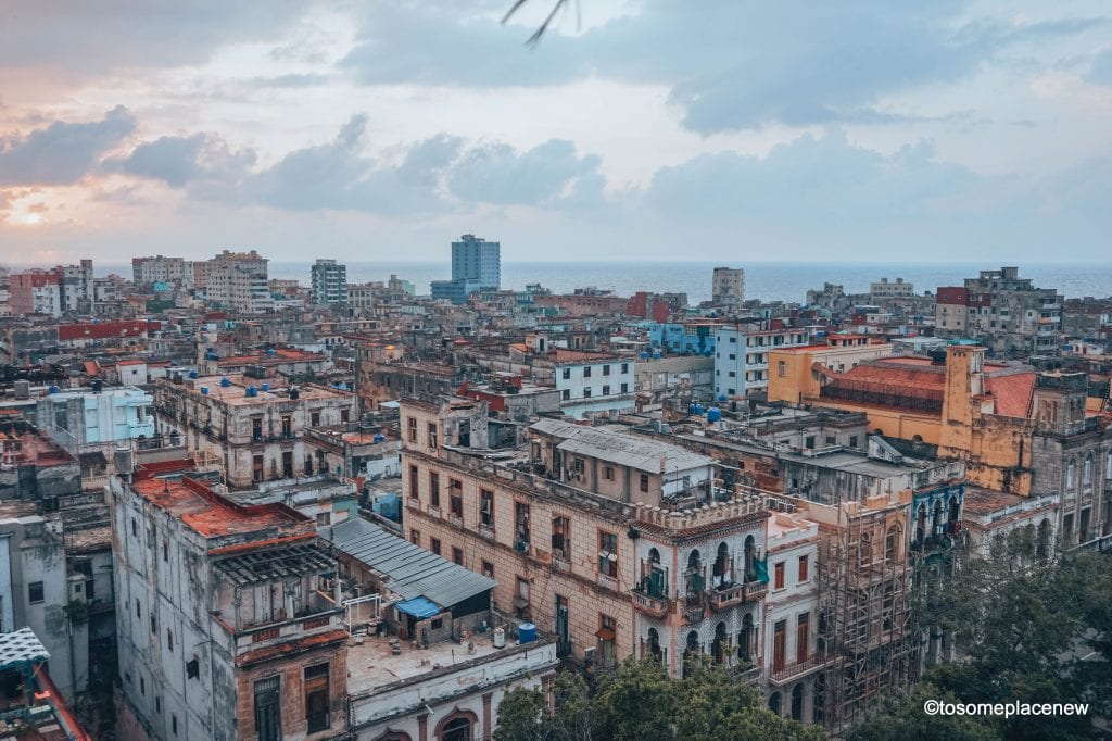Pictures of Havana. The Ultimate guide to Havana Cuba is here! The one stop for all things Havana - sightseeing, local experiences, restaurants and other travel tips #havana