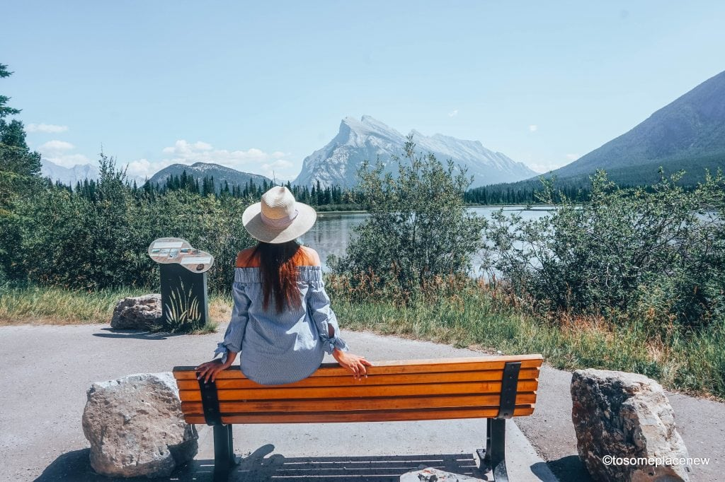 Mount Rundle and Vermilion Lake in Banff, Canada. The perfect 5 day Banff Itinerary for non-hikers. Enjoy a gondola ride, hot springs with mesmerising mountain views, relax by lakes & gardens in Banff!