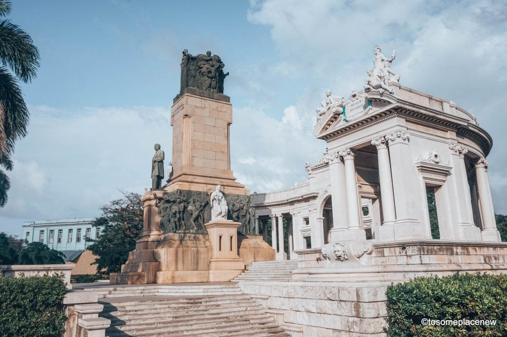 Pictures of Havana Cuba. The Ultimate guide to Havana Cuba is here! The one stop for all things Havana - sightseeing, local experiences, restaurants and other travel tips #havana