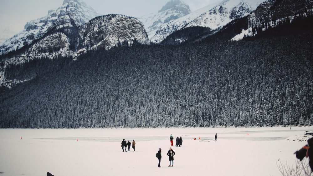 Amazing Banff winter activities - Christmas parade & markets, skii, snow-shoeing, hot cocoa, ice festivals & more - Best Things to do in Banff in Winter