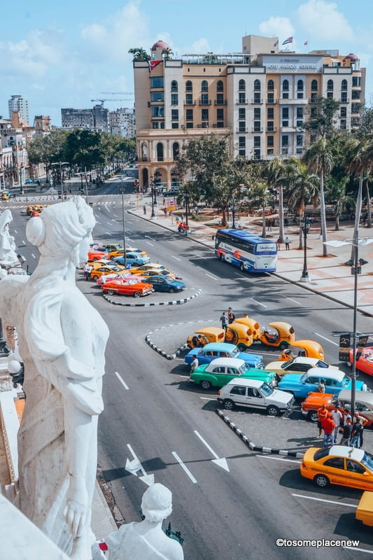 Colorful vintage cars in 3 days in Havana Itinerary Guide