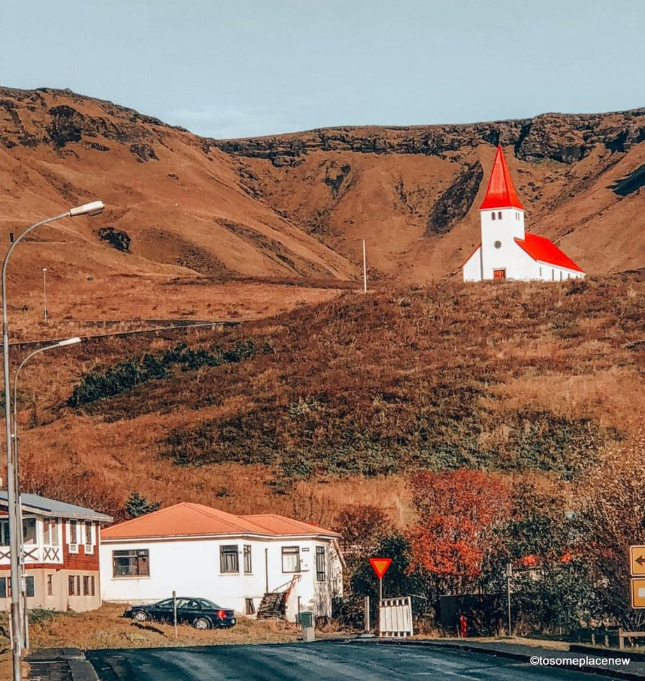 Unsure when to travel to Iceland? Answer: October. Find out why the best time to visit Iceland is October. All questions about Iceland in October, answered