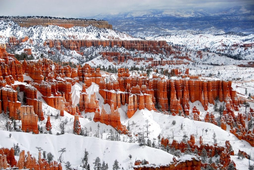 Visiting America in winter? Get the best winter vacations in US bucketlist for every traveler - escape snow to beaches, or enjoy various winter activities.