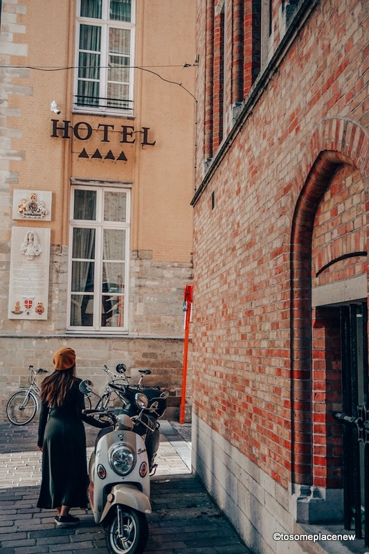 Hotels in Bruges. Get ready to be mesmerized by gingerbread houses, medieval Markt Square, romantic canal tour, Belgian waffles and beer tour in one day in Bruges Itinerary.