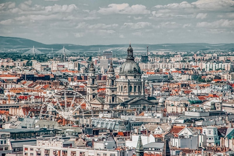 Explore the Hungarian Capital city of Budapest in 2 days - your perfect 2 day Budapest Itinerary covering historical sites, culture and dinner cruise