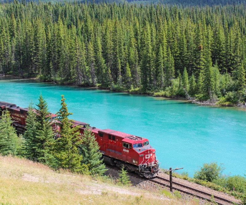 A Detailed guide on transportation from Calgary airport to Banff National by car, bus, tours and taxi. Calgary to Banff is only 1.50 hours from the Rockies.