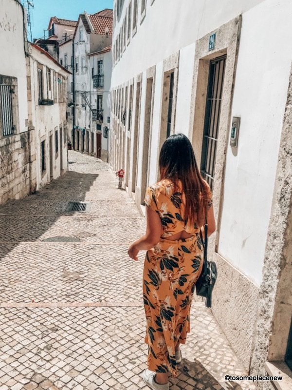 Wandering through the lanes of Alfama