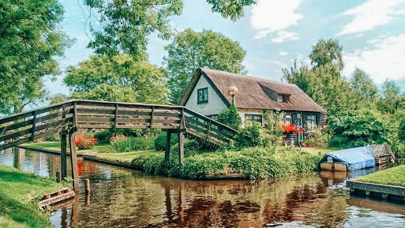 Giethoorn Best cities to visit in Netherlands