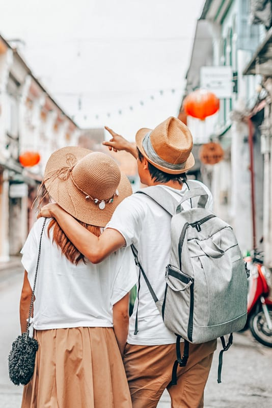 Best travel gifts for couples tips