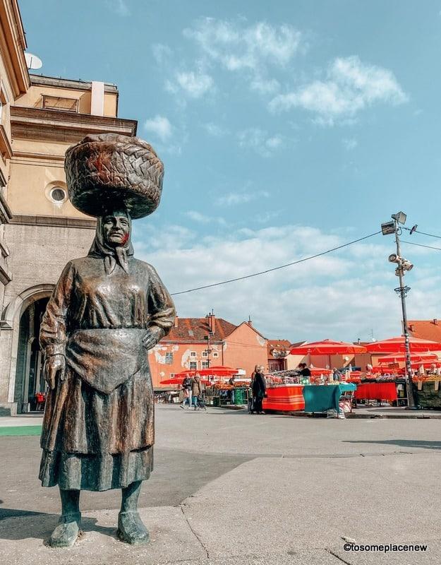 Dolac statue -Kumica Barica' – market woman