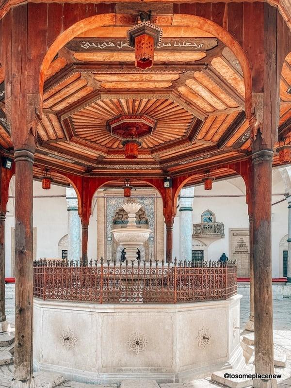 Gazi Husrev-beg Mosque in one day in Sarajevo itinerary