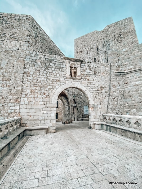The Ploče Gate is the eastern side/gate to the old town. It is also the main entrance to the walled city.