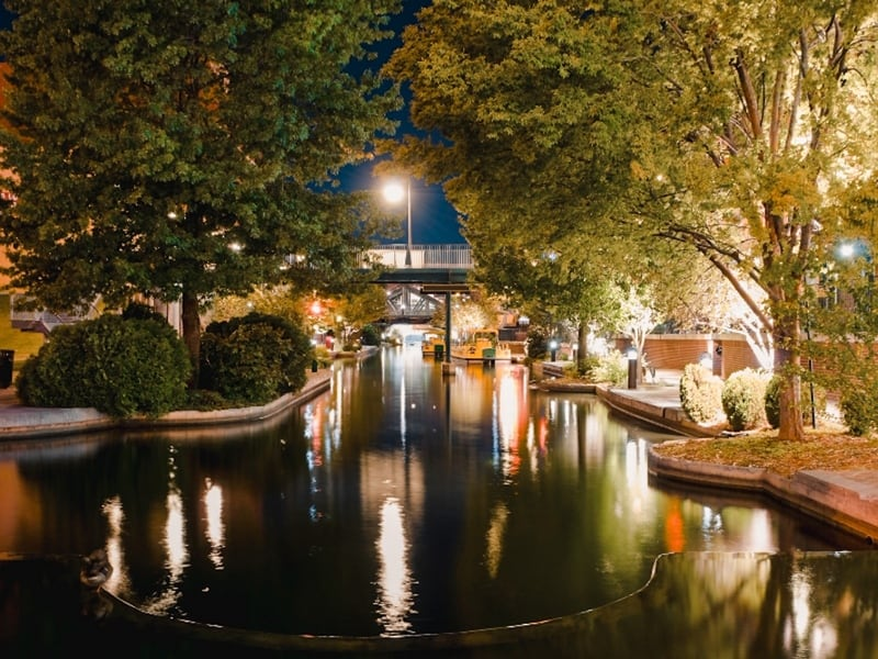 Go on a River cruise, one of the romantic things to do in Oklahoma City