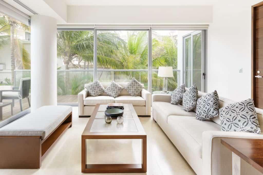 Beachfront condo Best aribnbs in Cancun