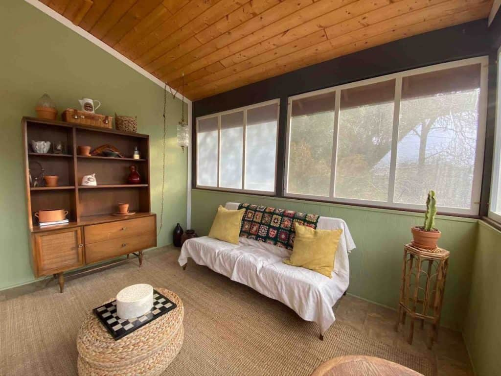 Black Ranch Mountain Cottage interiors: One of the best Airbnbs in Yosemite