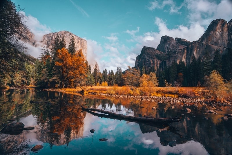 View of El Capitan Bridalveil Falls in one day in Yosemite itinerary