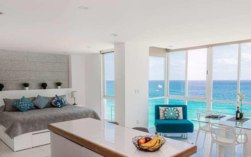 Ocean view studio Cancun hotel zone