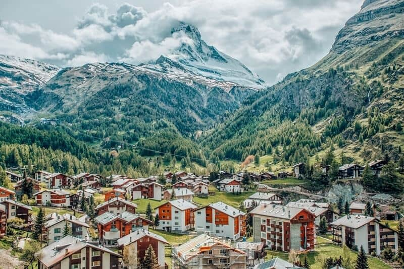 Zermatt: Sightseeing packed 5 days in Switzerland Itinerary for your trip. It includes 5 samples for Switzerland Itinerary 5 days, plus travel tips.