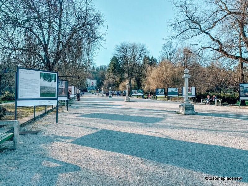 Tivoli Park's scenic Jakopič Promenade (Jakopičevo sprehajališče) is home to art/photo exhibitions. It was designed by the architect Jože Plečnik and is open throughout the year.