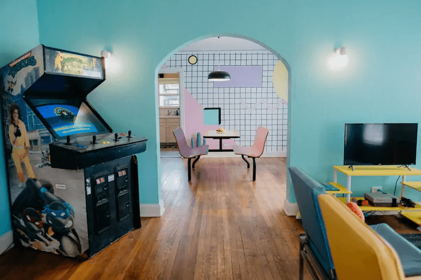 Unique 80s themed Airbnb in Texas