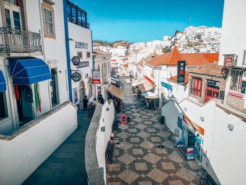Albufeira: Resort-town in Algarve