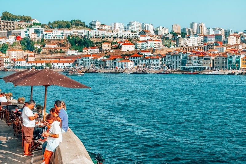 Vila Nova de Gaia, on the banks of Douro river