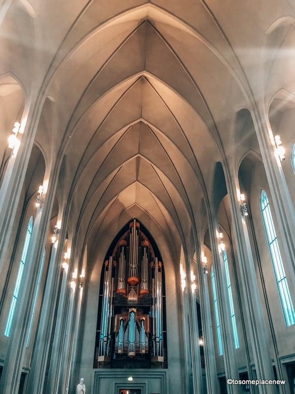 Hallgrimskirkja inside: Organ pipes