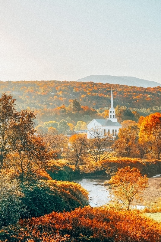 22 Best Fall Vacations in the US (Updated for 2021)