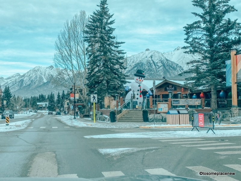 Festivities in the winter in Canmore: Canmore restaurants are decorated in festive cheer